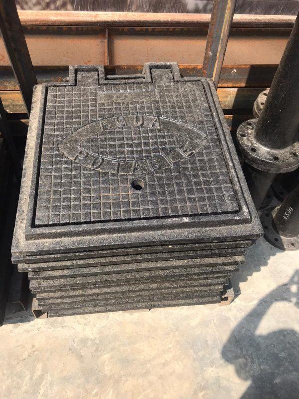 Brocales de Fierro Fundido | Marco con Tapa de 55 Kilos Tráfico Ligero en Fierro Fundido